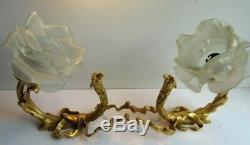 2 appliques bronze Napoléon III, noeud Louis XVI et griffon + 2 roses blanches
