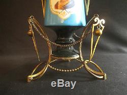 Ancien vase Napoléon 3 en porcelaine peinte et bronze portrait femme XIX ème