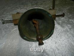 Ancienne cloche en Bronze de propriété avec potence