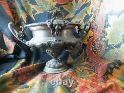 Ancienne urne cassolette epok XIXe bronze tetes de lions napoleon III