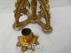 Bougeoir gothique aux chimères Viollet le Duc. Bronze 19è N III. H 33 cm. 2 kg