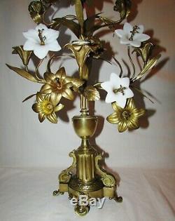 CANDELABRE D'EGLISE avec FLEURS OPALINE BLANCHE bronze 19 ème siècle CHANDELIER