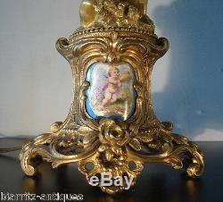 Chandeliers aux puttis vendangeurs en bronze doré au mercure Epoque Napoléon III