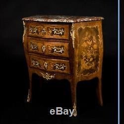 Commode marquetée et bronze doré, XIXe