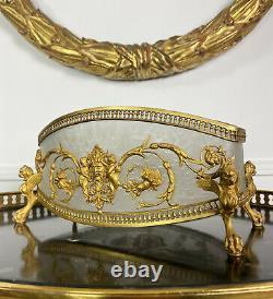 Coupe D'époque Napoléon III En Verre Givré Orné De Bronze Doré À Décor De Putti