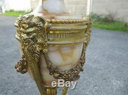 Exceptionnelle Paire De Candelabres Candlestick Dore Style Louis XVI Napoleon