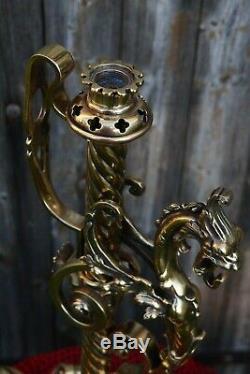 Exceptionnelle grande lampe à pétrole 19 ème La chimère Bronze et cristal