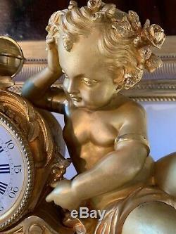Grande Pendule En Bronze Doré à l'Or d'époque Napoléon III