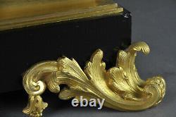 Grande Pendule Napoléon III En Marbre Noir De Belgique Et Bronze Doré par RAINGO
