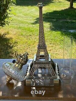 Grande lampe à pétrole TOUR EIFFEL en bronze et cristal. 90 cm Pièce unique