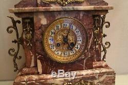 Grande pendule en marbre rose 19e Napoléon 3