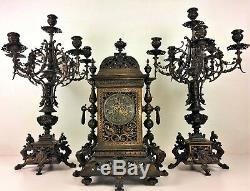 Horloge A Poser Et Chandeliers. Gustav Becker. 363422. Allemagne. Circa 1850