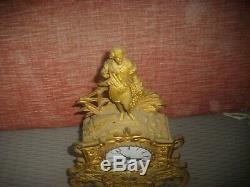 Horloge Pendule en Bronze du 19ème MOUVEMENT a RESTAURER
