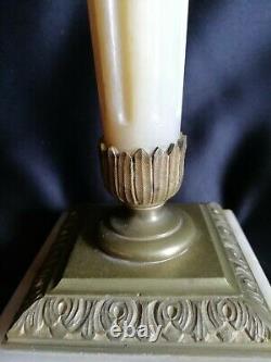 Lampe à pétrole en marbre et bronze Réservoir cristal rose Baccarat/St-Louis
