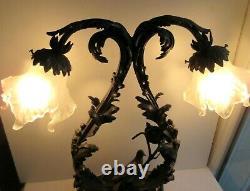 Lampe ancienne Napoléon III à 2 feux, bronze sculpté d'acanthes, oiseau et nid