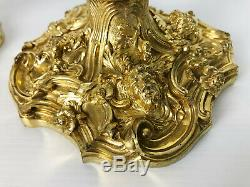 Paire De Bougeoirs D'époque Napoléon 3 En Bronze Doré & Ciselé De Style Louis XV