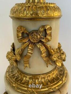 Paire De Bougeoirs Napoleon III 19eme En Bronze Dore Style Louis XVI H3688