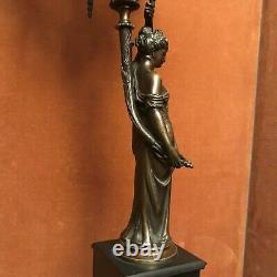 Paire De Candélabres En Bronze Aux Cariatides, fin XIX°