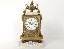 Pendule Louis XVI marbre blanc bronze doré noeuds Napoléon III clock XIXème
