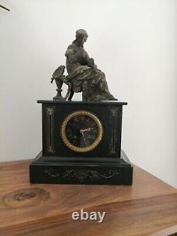 Pendule Napoléon III Marbre noir, sculpture patine Bronze mouvement rousselin