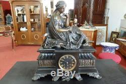 Pendule Napoléon III bronze femme à l'Antique par François Moreau