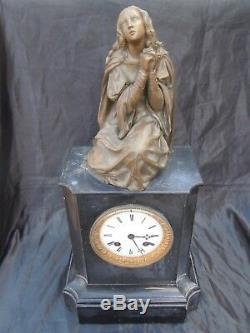 Pendule marbre sculpture bronze Sainte Marie Madeleine époque 19ème Napoleon III