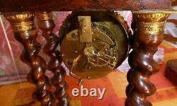 Pendule portique Napoléon 3 colonnes torsadées Bronze Marqueterie Globe socle