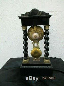 Pendule portique bois noirci bronze dore époque napoleon III Reine Victoria cloc