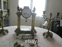 Pendule portique et candélabres napoléon III, style louis XVI en onyx et bronze