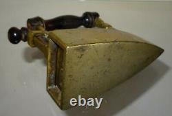 Petit fer à repasser à lingot en bronze n° 10 repassage
