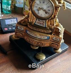 Sevres Pendule En Bronze Dore Et Porcelaine Xixeme Fronton Oiseaux Ht. 37cm