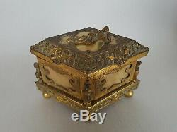 Superbe Coffret A Bijoux Napoleon III En Bronze Dore Et Nacre Style Renaissance