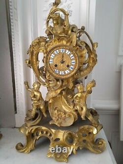 Superbe pendule Napoléon 3 en bronze doré