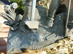 Tres Ancienne Pendule En Bronze Et Regule Mouvement A Fil A Voir