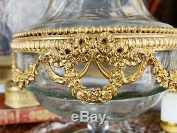 Vase D'époque Napoléon III En Cristal Orné De Bronze Doré De Style Louis XVI