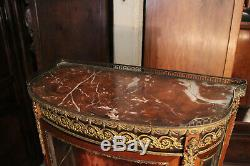 Vitrine acajou ornement bronze décor romantique au vernis Martin Napoléon 3